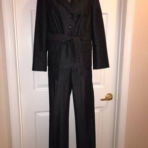 Stylist Nine West tie waisted Design suit size 6